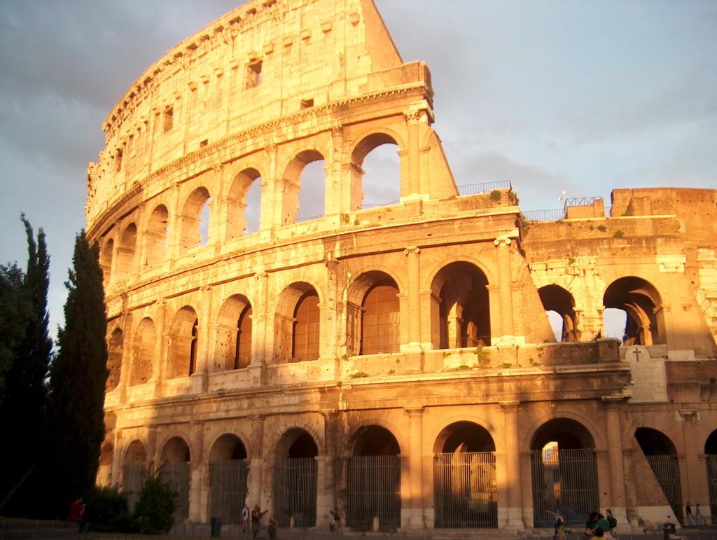 the colosseum 콜로세움(colosseum, 이탈리아어: colosseo 콜로세오 )은 고대 로마 시대의 건축물 가운데 하나로 로마 제국 시대에 만들어진 원형.
